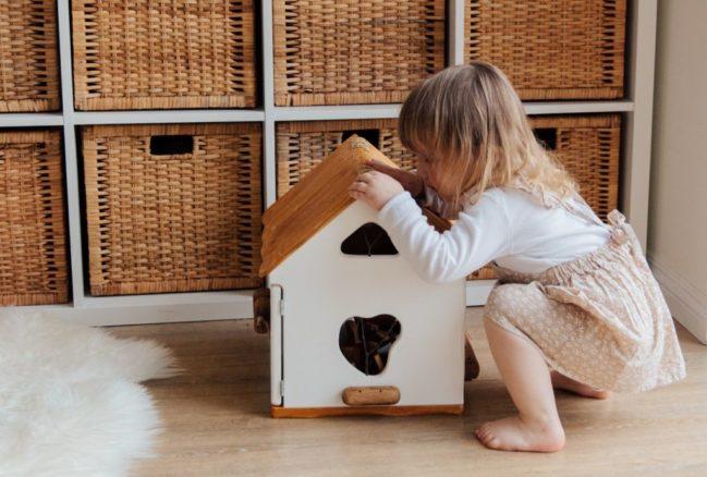 Jak naśladowanie dorosłych wpływa na nasze dzieci?